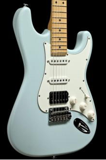 Classic S, Sonic Blue, Maple fingerboard, HSS, SSCII
