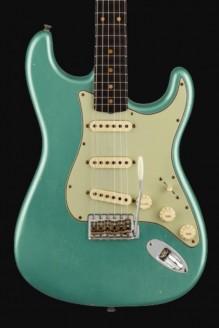 1960 Stratocaster custom-built ltd journeyman relic faded aged sherwood green met