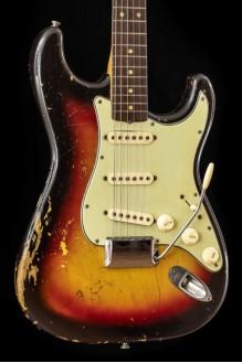 Stratocaster 1963 w/ OHSC Sunburst (Original vintage)
