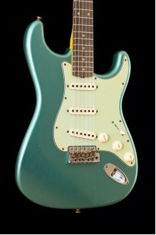 1960 Stratocaster custom-built ltd journeyman relic faded aged sherwood green met